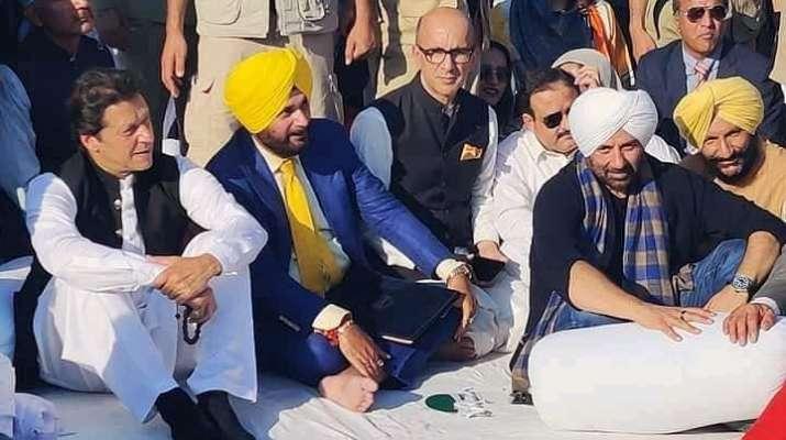 India Tv - Latest News Sunny Deol receives special welcome at Gurdwara Darbar Sahib in Pakistan's Kartarpur, Su