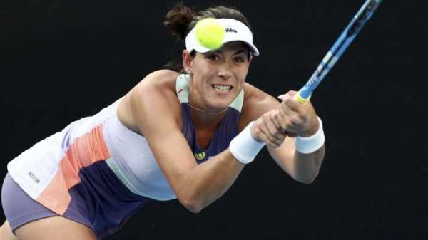 Another seed out in Australian Open as Garbiñe Muguruza beats Elina Svitolina in straight sets