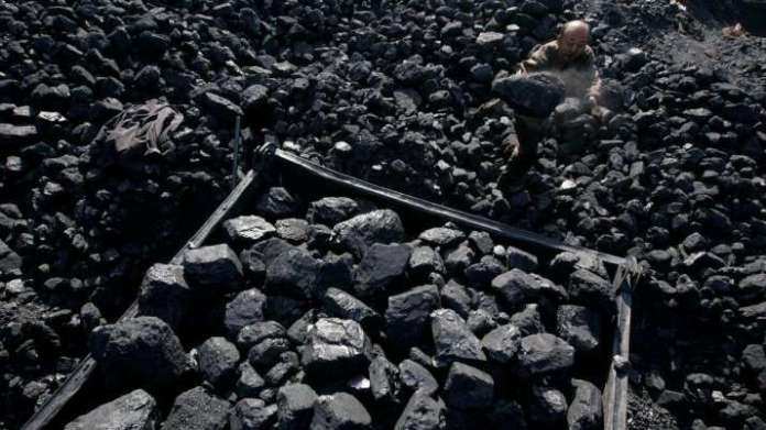 Centre asks generating companies to reduce coal import, source domestic fuel