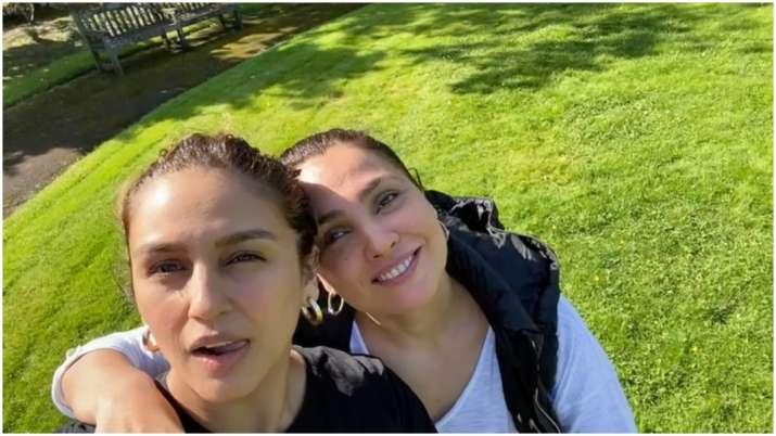 Lara Dutta and Huma Qureshi get goofy on 'BellBottom' set, watch video