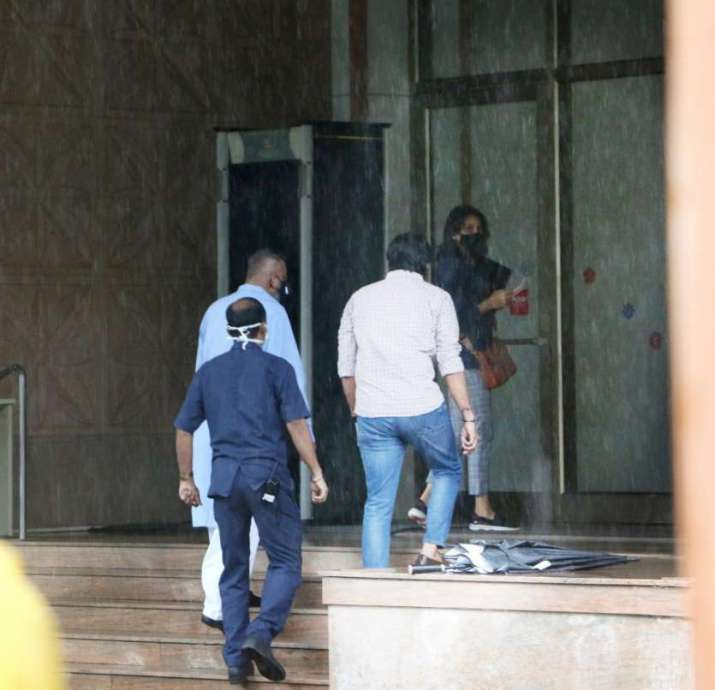 India Tv - Sanjay Dutt spotted outside a hospital