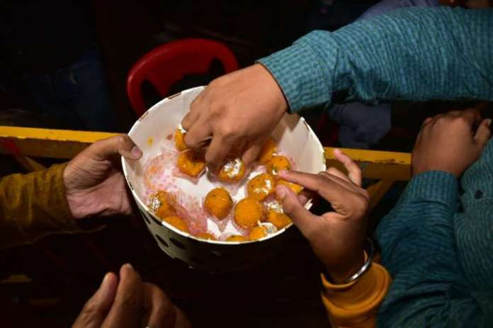 India Tv - Sweets distributed after the wedding