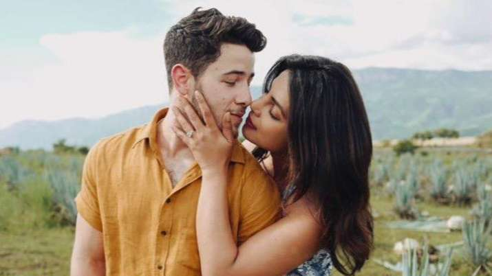 Priyanka Chopra's dreamy picture with Nick Jonas is the best thing on internet today
