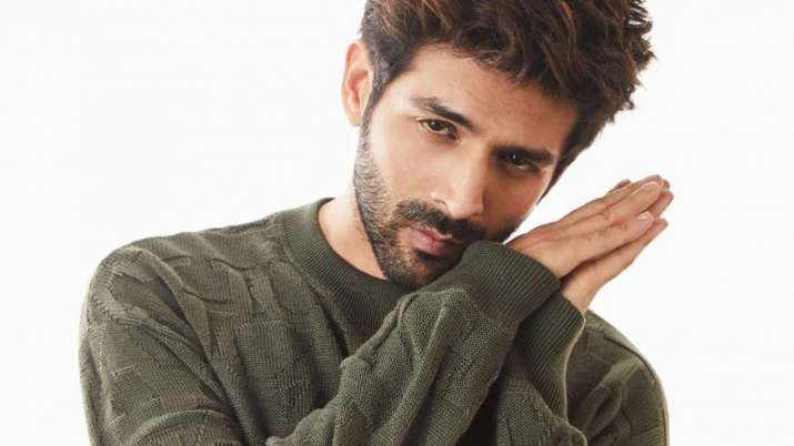 Kartik Aaryan comes out in support of expecting mothers, says 'happy to help'