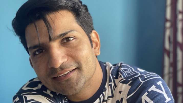 Sacred Games actor Jatin Sarna takes up scriptwriting