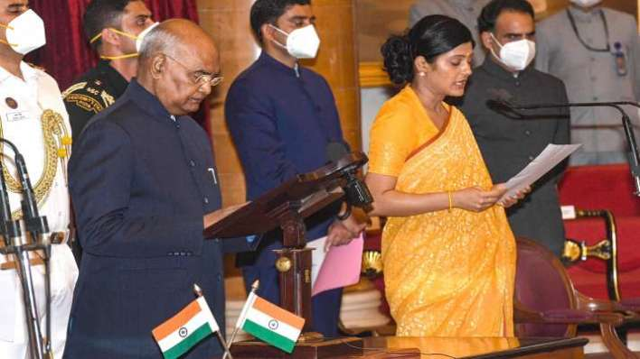 President Ram Nath Kovind administers oath of office and