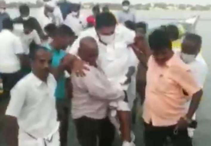 Tamil Nadu minister Anitha Radhakrishnan, Tamil Nadu minister Anitha Radhakrishnan carried on should