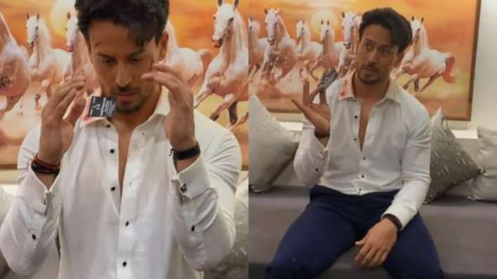 Tiger Shroff surprises fans with magic trick, Siddhant Chaturvedi's epic reply takes the cake