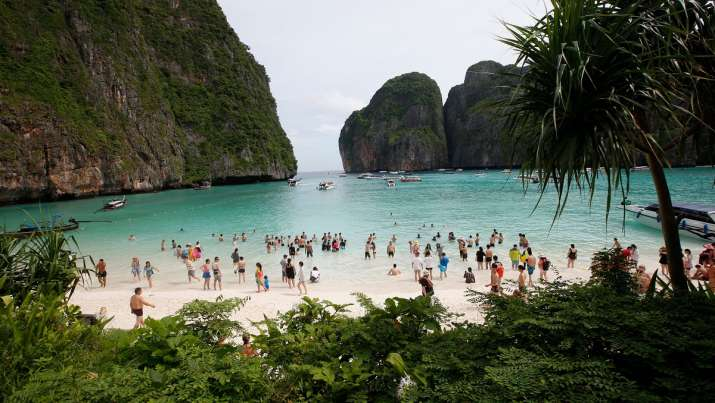 Thai tourist hotspots to reopen for fully vaccinated