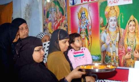 दारुल उलूम का फतवा, श्री राम की पूजा-आरती करने वाली मुस्लिम महिलाएं अब नहीं रही मुसलमान