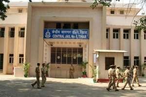 दिल्ली: तिहाड़ जेल के महानिदेशक संदीप गोयल कोरोना पॉजिटिव, अधिकारियों ने दी जानकारी 2