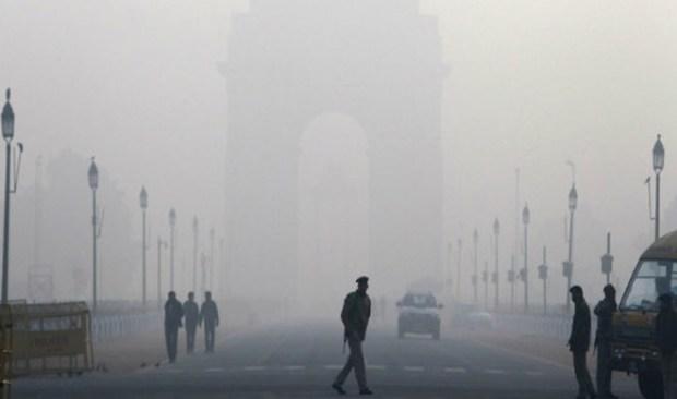 Intense-cold-wave-continues-to-grip-Delhi-North-India-shivers- Khabar IndiaTV