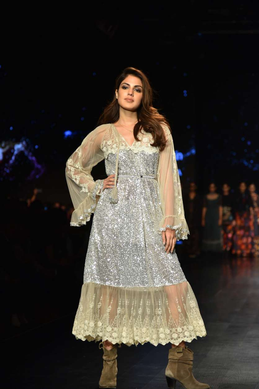 Amazon India Fashion Week 2018  Kartik Aaryan and Rhea Chakraborty     Rhea Chakraborty walked the ramp for designer Rina Dhaka and looked  ethereal in a silver attire
