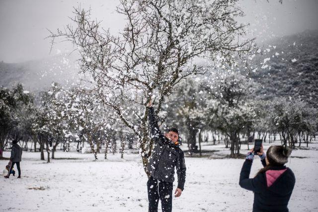 Playing with the snow in the Calamuchita Valley, Villa General Belgrano, Córdoba
