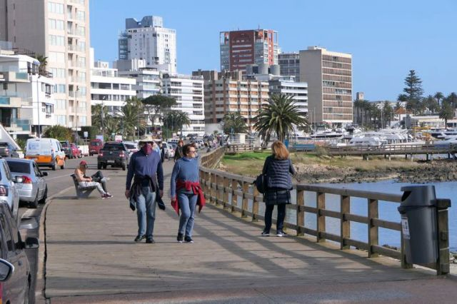 La llegada de turistas dependerá de las cuarentenas exigidas en los países respectivos a la vuelta de vacaciones y, en el caso de europeos y estadounidenses, de la conectividad y multiplicidad (o no) de frecuencias aéreas hacia Uruguay