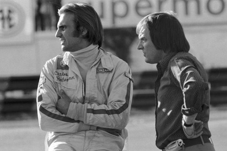 Carlos Reutemann y Bernie Ecclestone; Lole debutó en la Fórmula 1 con el equipo Brabham, cuyo dueño era el británico que más tarde se convertiría en el jefe de la categoría