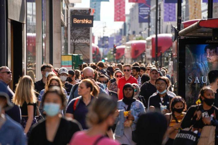 Se estima que la variante Delta del coronavirus, descubierta por primera vez en India, es un 40 por ciento más transmisible que la Variante alfa que causó la última ola de infecciones en el Reino Unido según el ministro de salud británico