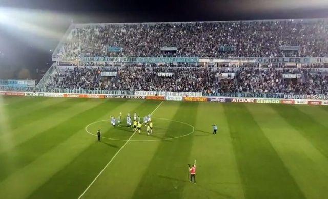 hubo exceso de público en Belgrano anoche