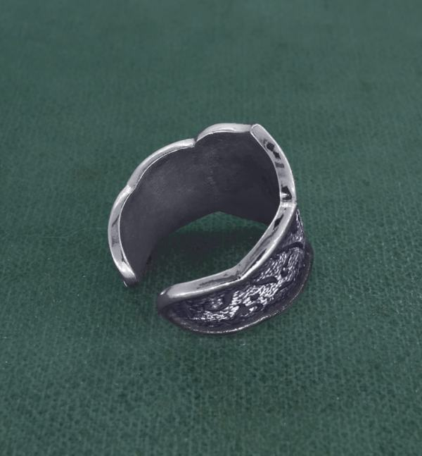 Antique silver brocade style fleur-de-lys ring made in France back view | Res Mirum