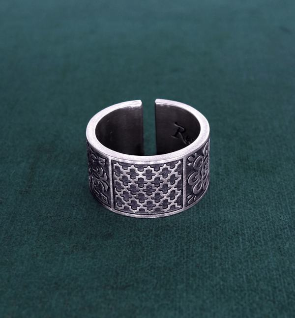 Ring or ring inspired by oriental zelliges and d'handcrafted 925 silver arabesques face view | Res Mirum