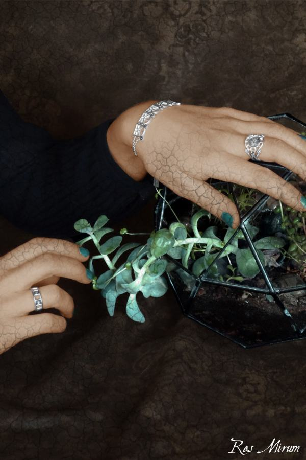 Antique silver mandrake ring, geometric ring and architectural antique greenhouse bracelet made in France | Res Mirum