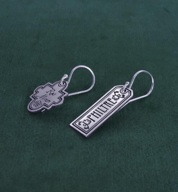 "Earrings d'asymmetrical ""philtre"" engraving, crochet system, silver plated, handmade 