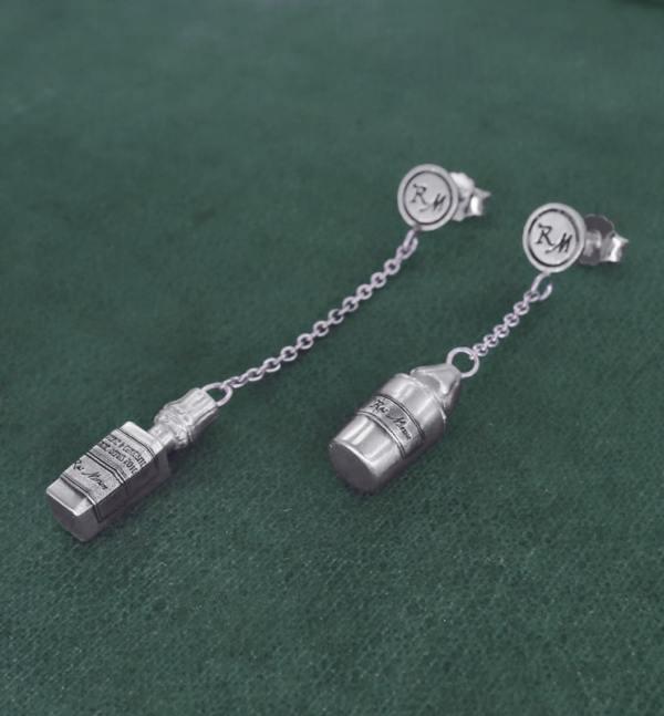 Boucles d'oreilles mini flacons d'apothicaire asymétriques sur chaîne, en argent massif fabriquées en France | Res Mirum