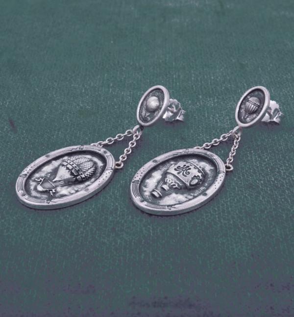 Boucles d'oreilles ovales petites montgolfières dans l'esprit Marie-Antoinette & Versailles en argent fait main en France vue côté | Res Mirum