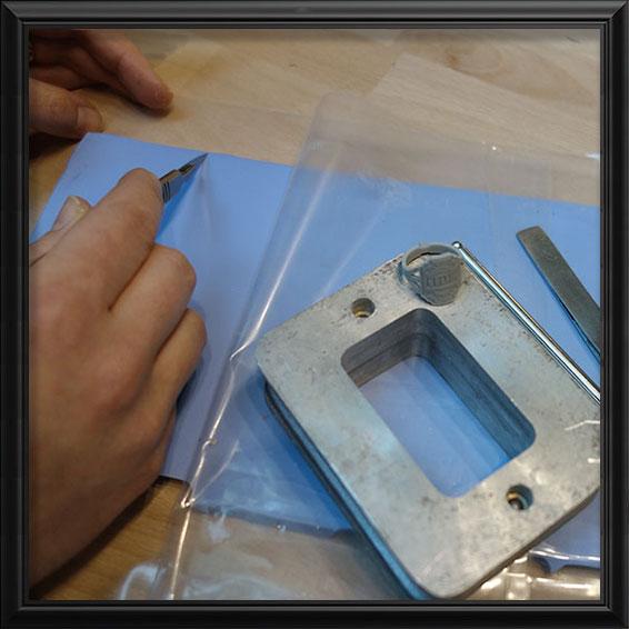 Fabrication du moule en silicone pour reproduire le prototype de bijou   Res Mirum