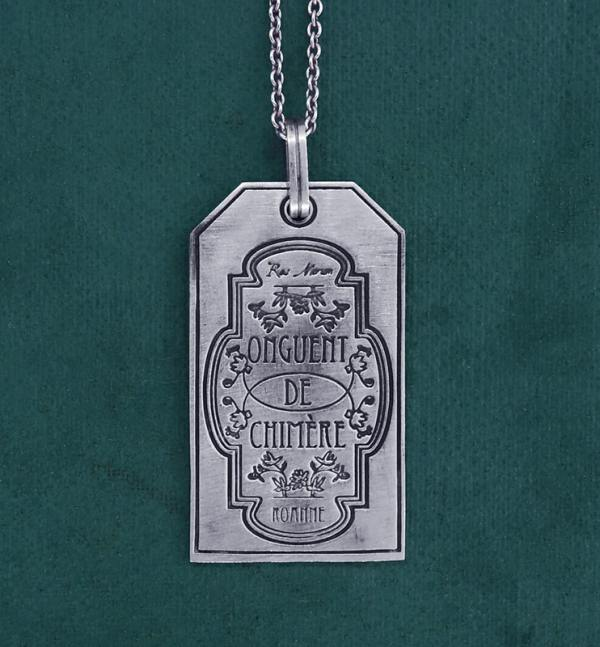 """Silver pendant plate engraved """"Onguent de Chimère"""" spirit sorcery & alchemy made in France front view 