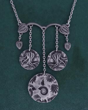 Collier inspiré des collections paléontologiques de crinoïdes & de fossiles en argent 925 de fabrication artisanale | Res Mirum