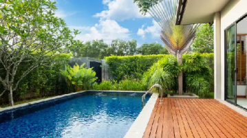 How to Lower Total Alkalinity in Your Pool Using Muriatic Acid