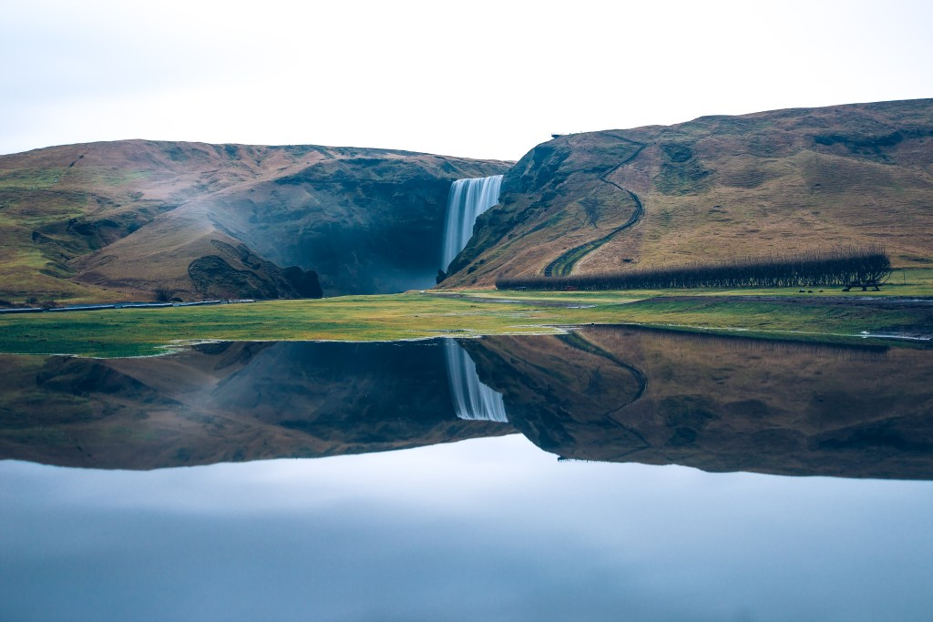iceland-waterfall-over-cliff