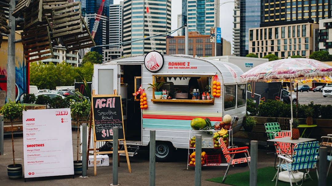 How to start a food truck first begins with a concept, like this food truck that caters to fresh squeezed, farm-to-table juices.