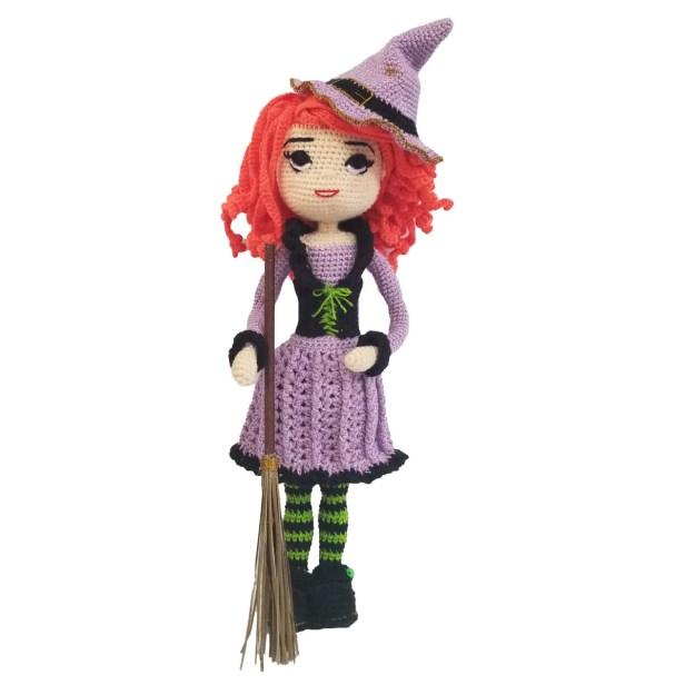 Hermosa Brujita Halloween Amigurumi con ropa 40 x 13 cms
