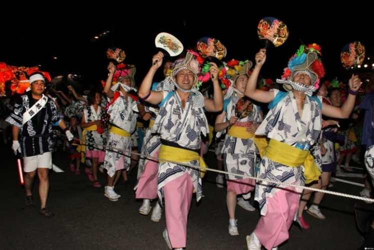 北国の熱い夏を体感「青森ねぶた祭り」は巨大ねぶたが圧巻!