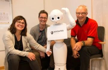 Miljonsatsar på doktorander som forskar om robotar i äldrevård 1