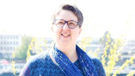 """""""Die Leute begreifen, dass die Digitalisierung alles verändert, kommen aber allein nicht hinterher."""" – Interview mit Annette Schwindt"""