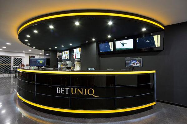 BetuniQ, la marque qui propose des jeux d'argent et de hasard, est au cœur du coup de filet des autorités italiennes