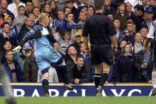 Everton v Aston Villa, 2001/02   Premier League