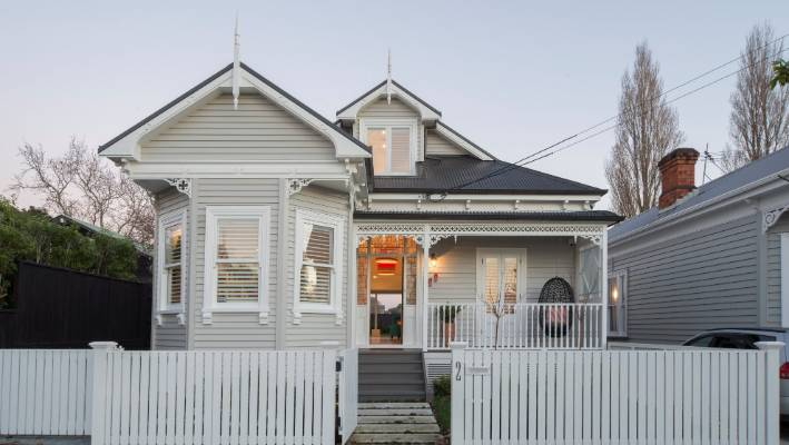 How Do You Choose A Paint Colour For Your House Exterior