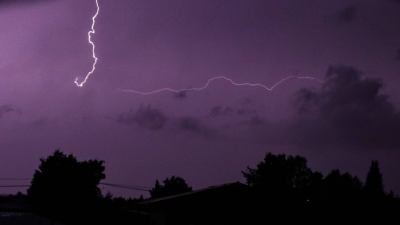 Morning thunderstorms bring over 8000 lightning strikes ...