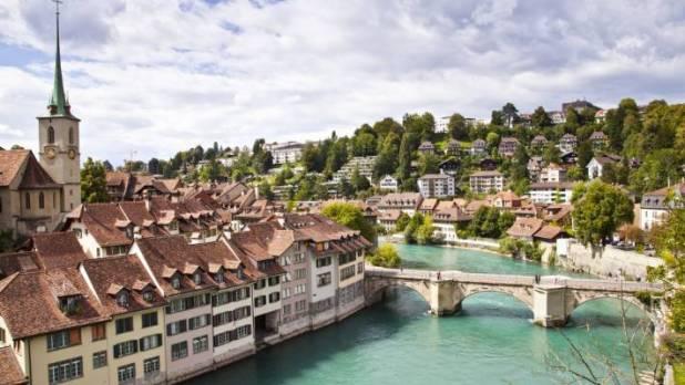 瑞士:价格昂贵但值得。