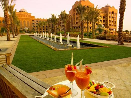 The Emirates Palace Hotel features a restaurant with typical Emirati dishes.
