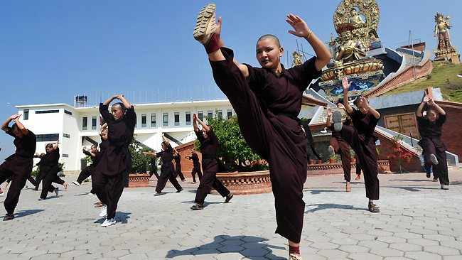 https://i2.wp.com/resources1.news.com.au/images/2012/05/08/1226349/994265-kung-fu-nuns.jpg