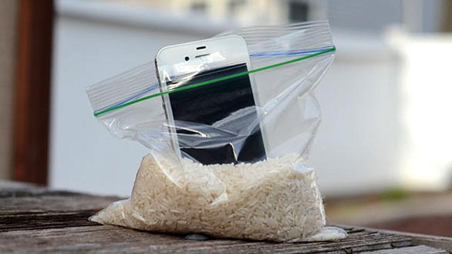 Stick your iPhone into a bag of rice to cure it of any water. Leave overnight. Picture: iphonewashington.com