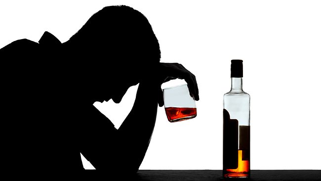 does alcohol cause depression