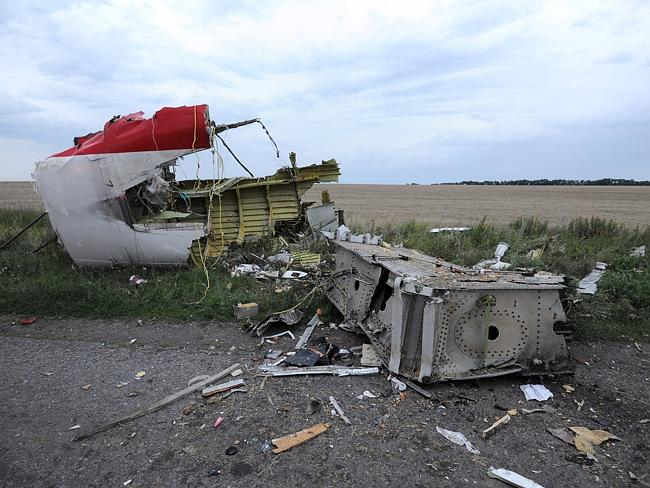 Wreckage near the town of Shaktarsk, in rebel-held east Ukraine. AFP PHOTO/DOMINIQUE FAGE