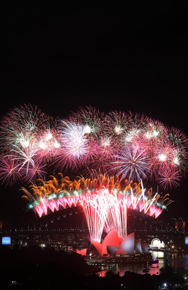 Sydney parties ... the midnight fireworks display to herald in the new year. Picture: Tob