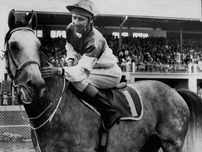 Crowd favourite Gunsynd carried 60.5kg to win in 1972.